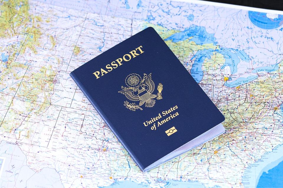 Visa en ligne ou visa classique : que choisir